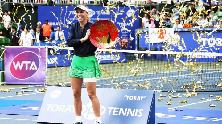 Wozniacki hace valer su experiencia y gana en Tokio
