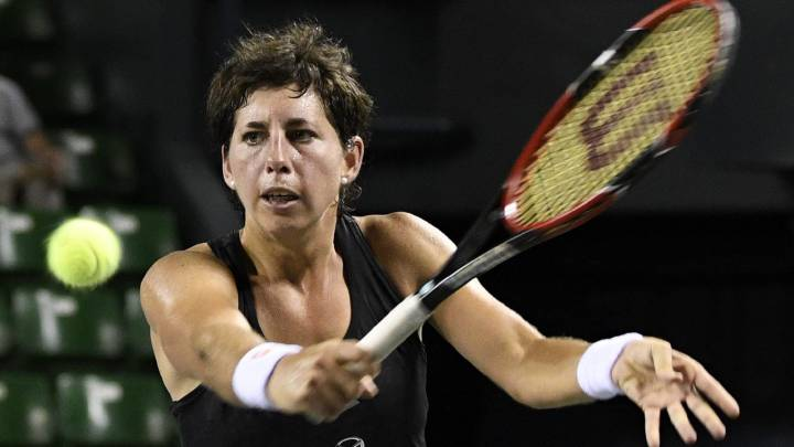 Carla Suárez pasa a octavos al ganar a Wickmayer 6-4 y 6-3
