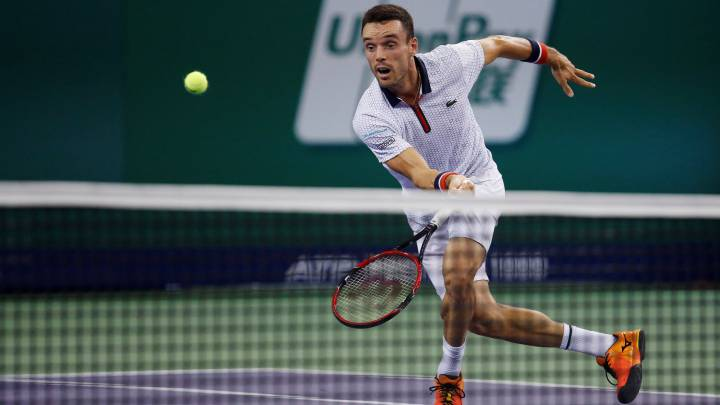 Bautista gana a Tsonga y pasa a semifinales contra Djokovic