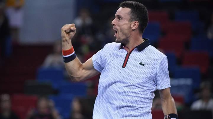 Bautista, ante el 'ochomil' de Novak Djokovic en Shanghai