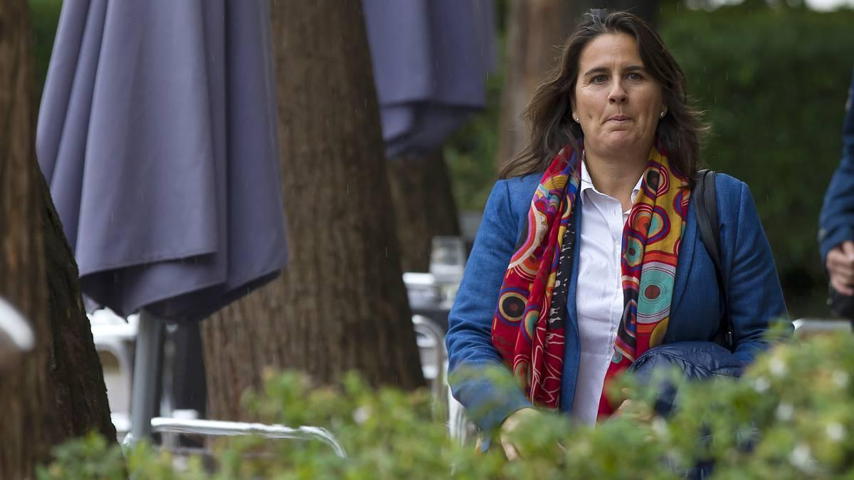 Conchita Martínez, antes del acto de renovación como capitana de los equipos españoles de Copa Davis y Copa Federación.