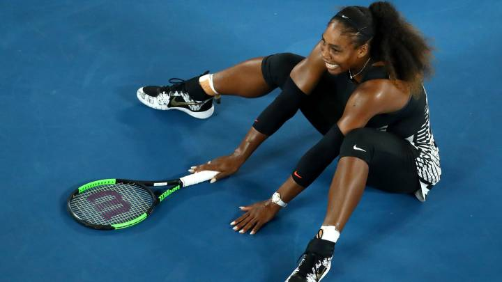 Serena Williams celebra su victoria ante Venus Williams en la final del Open de Australia.