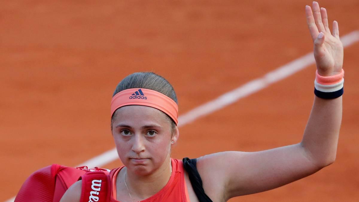 Jelena Ostapenko sede la corona tras caer en Roland Garros