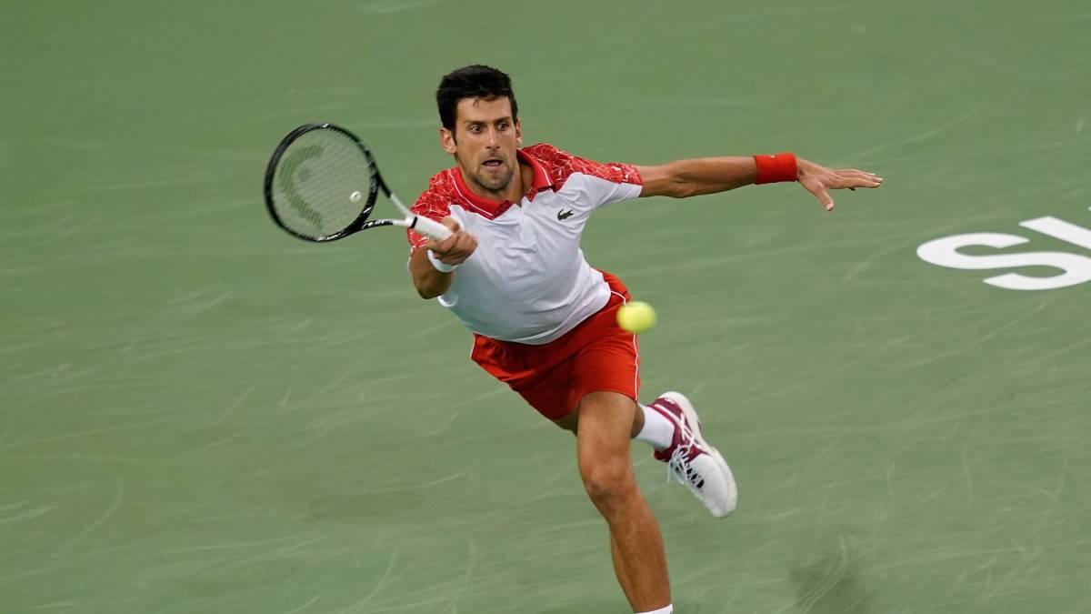 Federer alcanza las semifinales tras eliminar a Nishikori