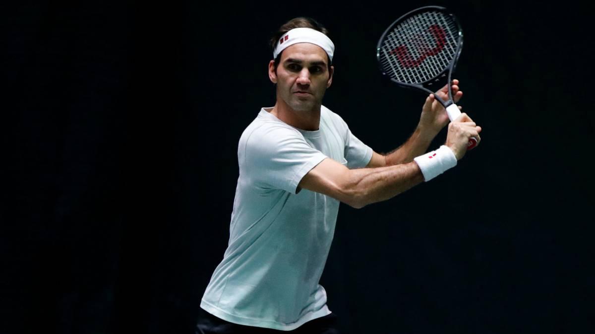 Federer avanza en el Masters de Paris sin jugar