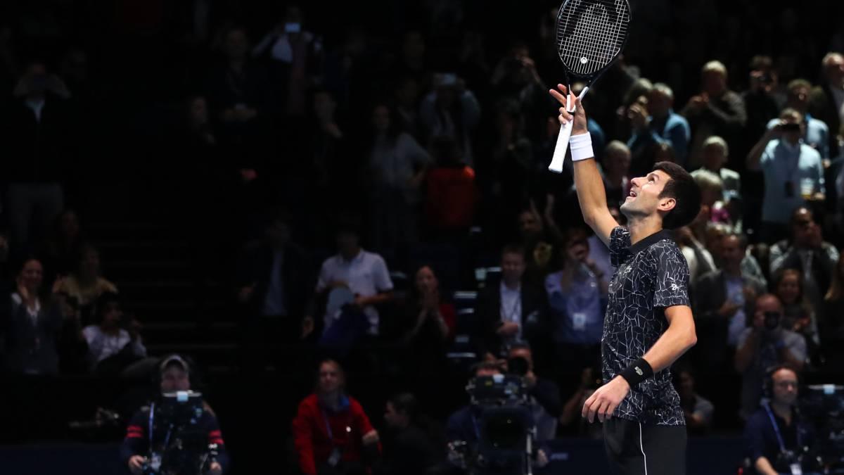 Zverev sorprendió a Federer en Londres