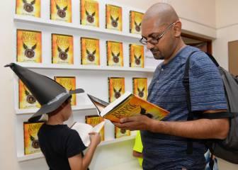 'Harry Potter' hace su último truco del teatro a los libros