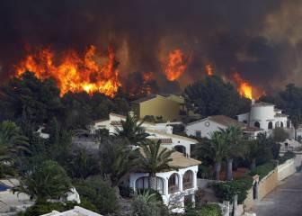 Jávea, en llamas por un incendio intencionado