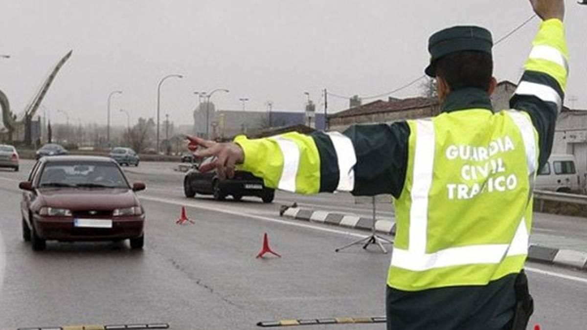 La guardia civil desvela a qu velocidad multan los - Guardia civil trafico zaragoza ...