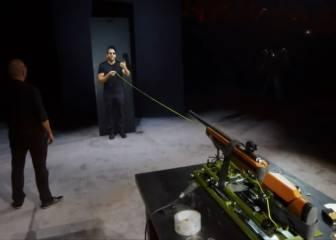 Un mago se dispara en la boca en un truco que casi le mata