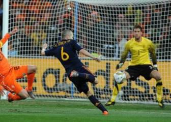 Se desvela a quién regaló Casillas el balón de la final del Mundial