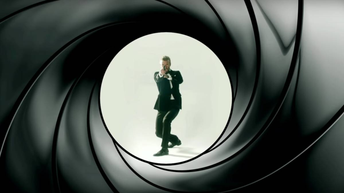David Beckham y James Corden compiten por ser James Bond
