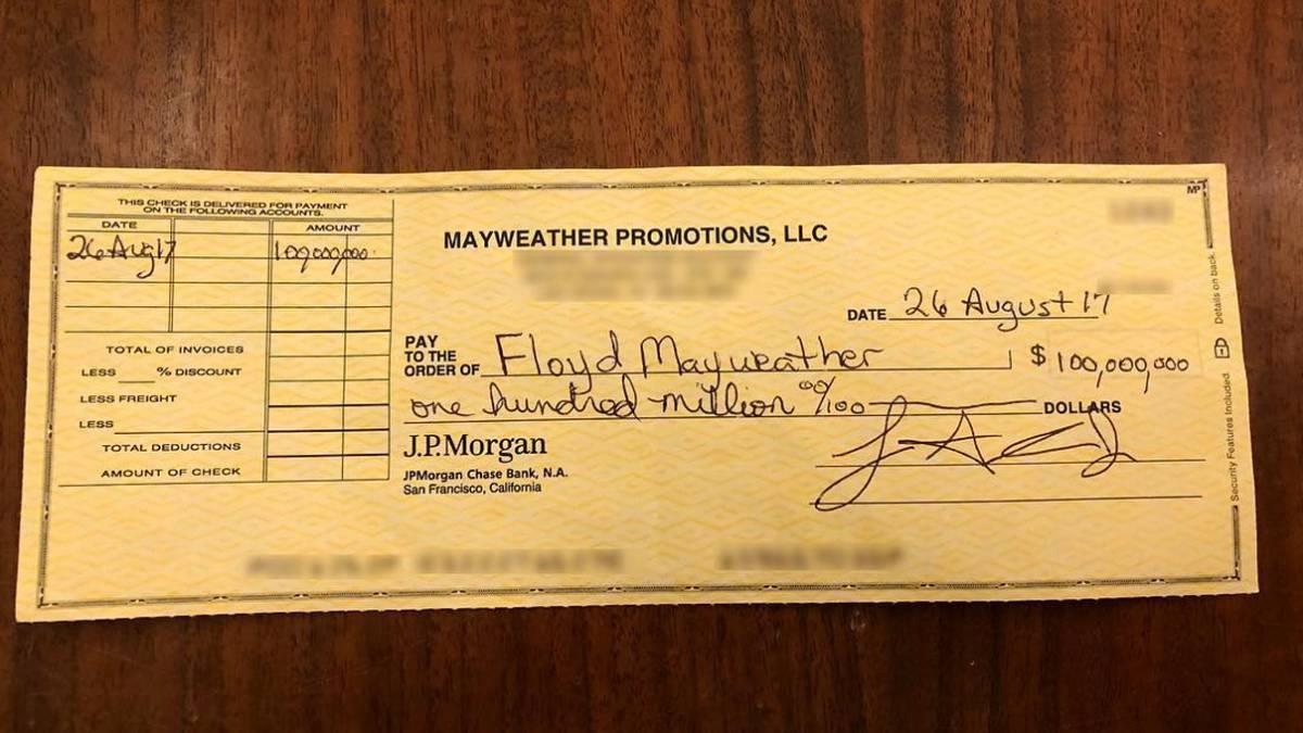 Mayweather se mete al octágono y McGregor le responde