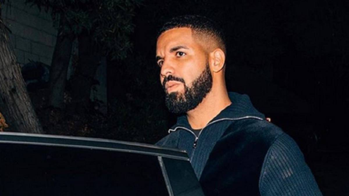 Captan a Drake tocando a una menor en el escenario