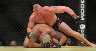 Brock Lesnar regresa al UFC 200 con una victoria triunfal