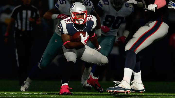 Dion Lewis volvería a entrenar con los Patriots esta semana