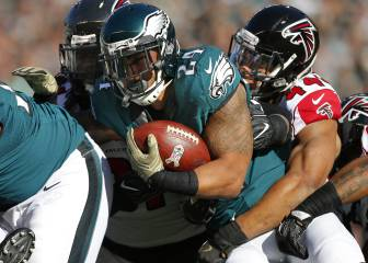 Los Eagles bajaron a la tierra a unos Falcons sin defensa