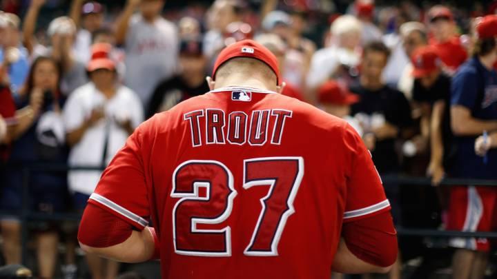 Mike Trout está haciendo méritos para situarse entre el Olimpo de los mejores jugadores de la historia del béisbol.