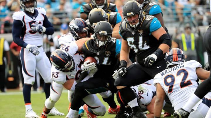 Los Broncos ganan a Jaguars y vuelven a plaza wild card