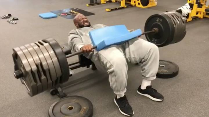 James Harrison es un superhéroe que levanta 306 kilos