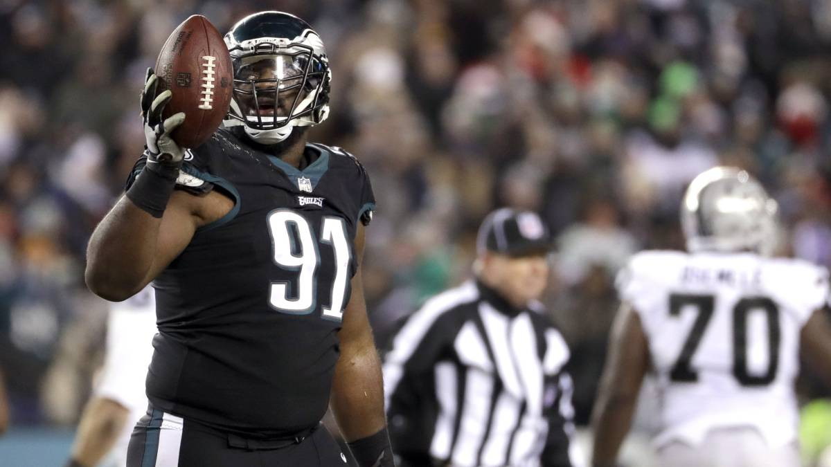 Eagles vencieron a Raiders y son el número uno de la NFL