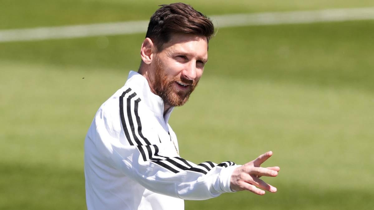 El 'truco' del arquero de Islandia para atajarle el penal a Messi