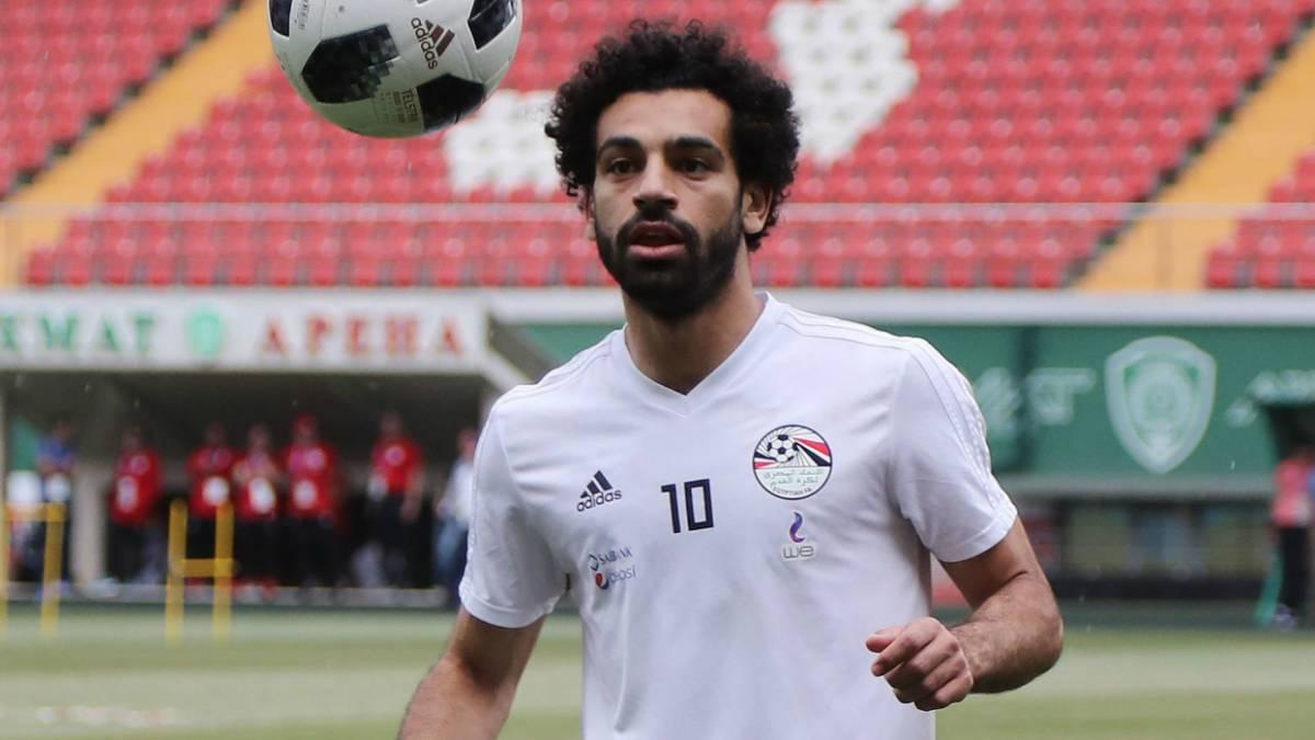 Salah se entrena con normalidad a 24 horas del Rusia-Egipto