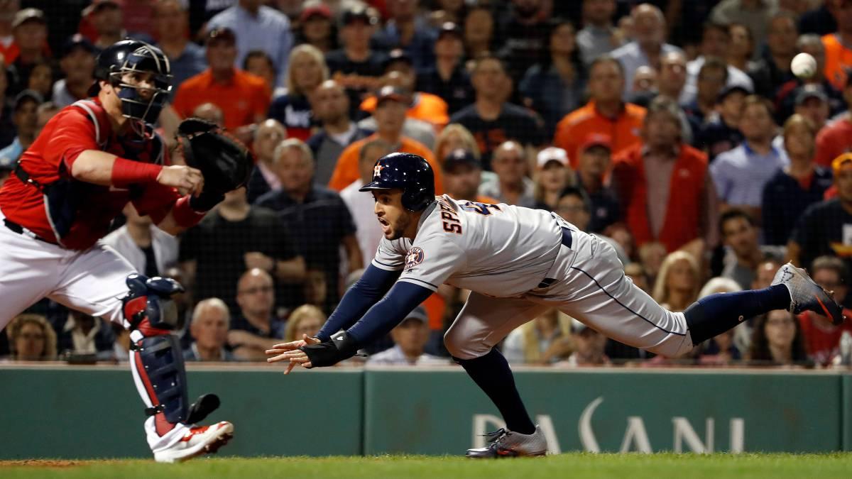 AMLO 'batea' a los Astros de Houston para ver partido