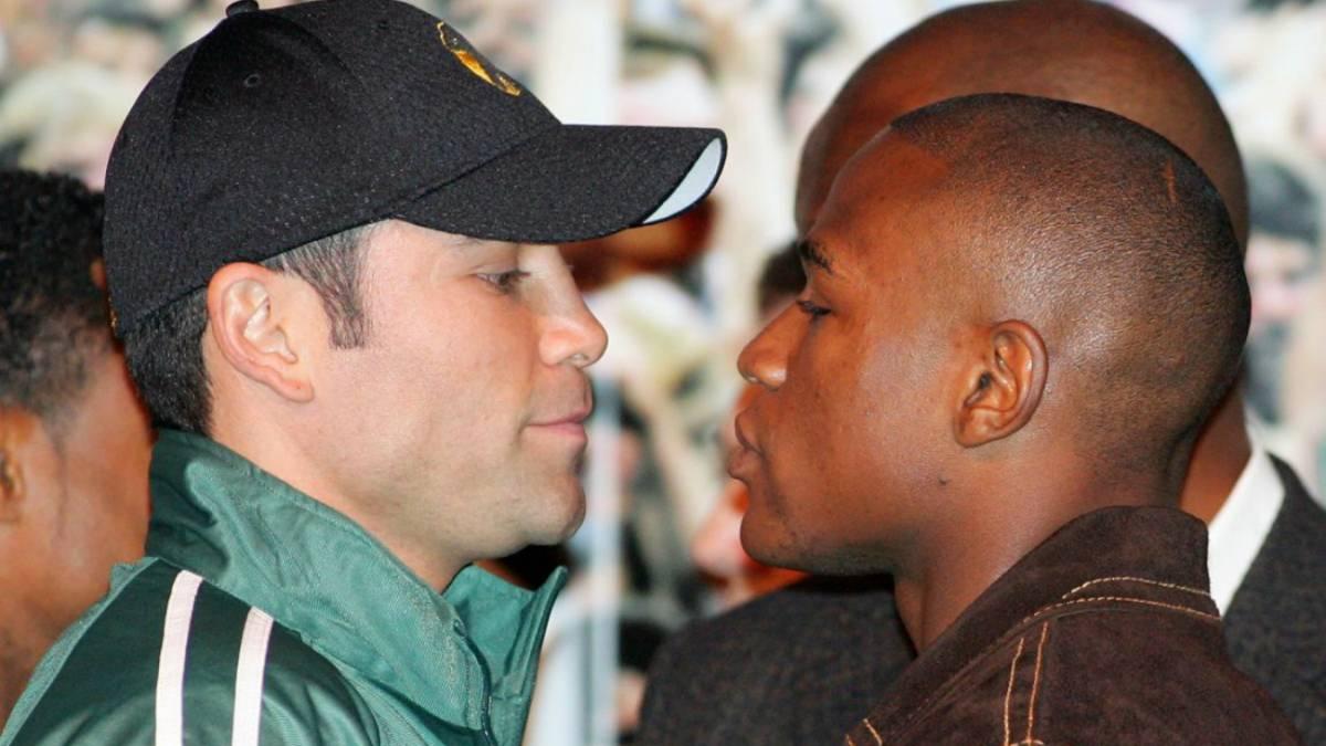 Óscar de la Hoya llamó 'criminal' a Floyd Mayweather Jr. en Instagram