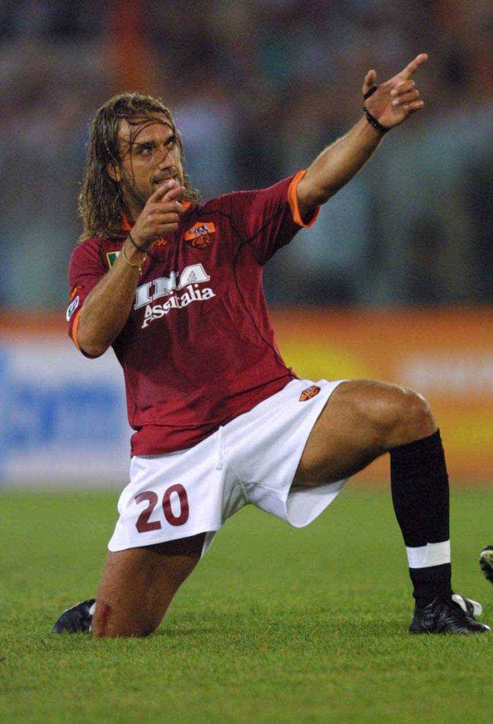 El argentino fue una de las opciones para la delantera de los blaugranas en la década de los 90, Cruyff quisó llevarlo al Barcelona cuando jugaba para la Roma.