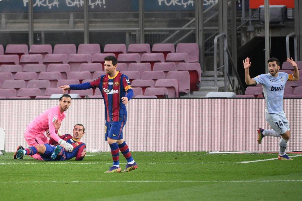 Este sábado fue histórico para Lionel Messi como jugador del FC Barcelona, ya que anotó gol en el empate a dos frente a Valencia y alcanzó así una brutal marca de Pelé.