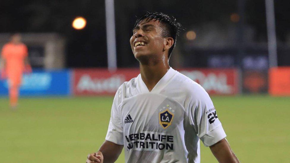 Efraín Álvarez – LA Galaxy