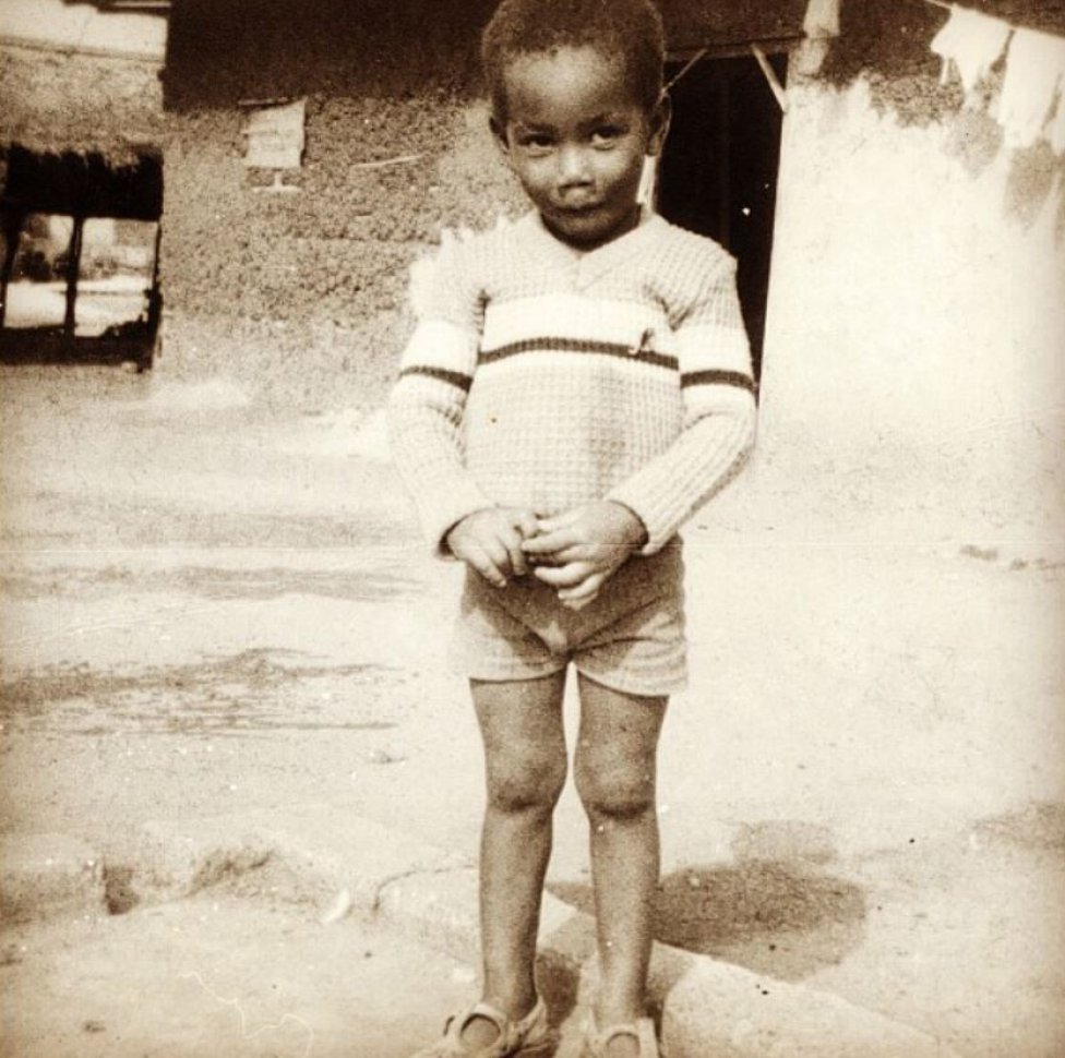 Didier Drogba nació el 11 de marzo de 1978 en Abidjan, Costa de Marfil.