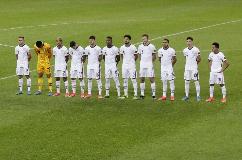Este miércoles por la noche Estados Unidos visitó a México en el Estadio Jalisco en duelo correspondiente al último partido de fase de grupos.