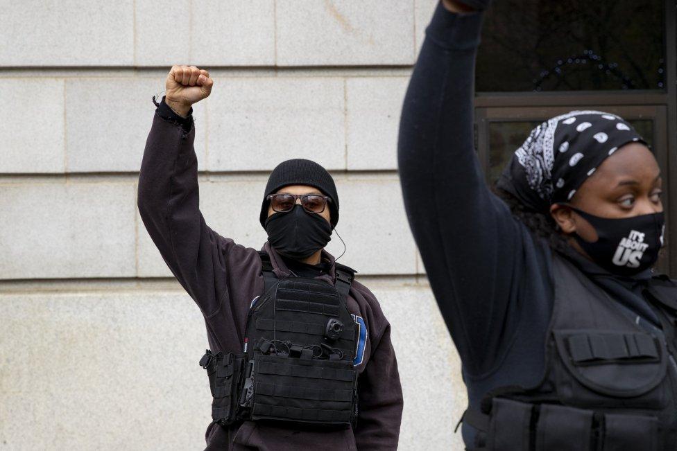 Fotos | Entre de júbilo y lágrimas, USA celebra sentencia de Derek Chauvin