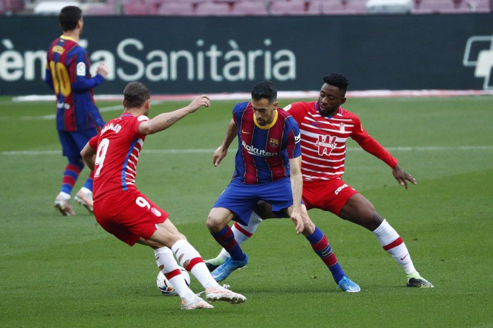 Este jueves el FC Barcelona tenía una oportunidad inmejorable para colocarse como líder de la clasificación y enfilarse rumbo al título de liga. Sin embargo, Granada sacó agallas y remontó el partido en cuestión de minutos contra todo pronóstico.