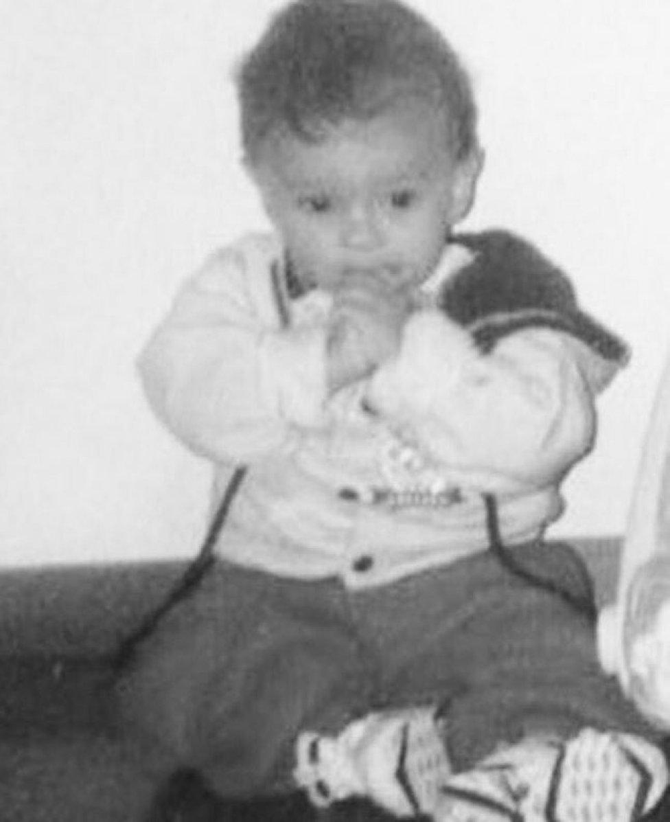 Marcos Aoás Correa, mejor conocido como 'Marquinhos', nació el 14 de mayo de 1994 en Sao Paulo, Brasil.