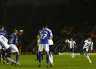 El terrible libre directo de Kolarov ante el Leicester
