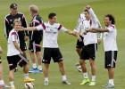 Último entreno del Madrid antes de medirse al Deportivo