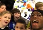 Drogba 'se vuelve loco' tras conocer a estos pequeños fans