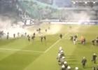Los disturbios en el derbi de Atenas que han parado la liga