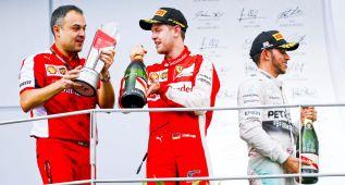 Vettel devuelve a Ferrari a lo más alto y Alonso abandona