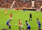 La notable maniobra con que Sneijder elude a tres rivales