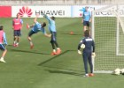 Saúl quiso emular su gol al Madrid...¡y casi lesiona a Moyá!