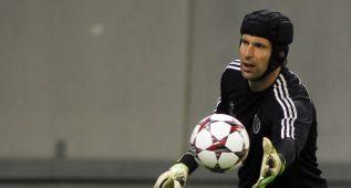Cech deja el Chelsea y será el nuevo portero del Arsenal