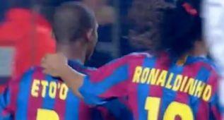 La tremenda conexión de Eto'o y Ronaldinho en el campo