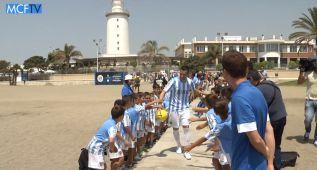 La presentación de fichajes del Málaga, a pie de playa
