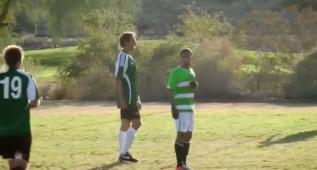 Nash muestra su visión de juego... ¡también en el fútbol!