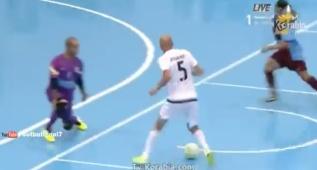 ¡Qué maravillas del gran Zidane jugando al fútbol sala!