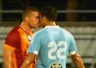 Compañero se Orellana casi se va a las manos con Podolski